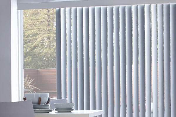08-vertical-blinds7DF9E97D-A368-C961-2684-9AEF98D9119D.jpg