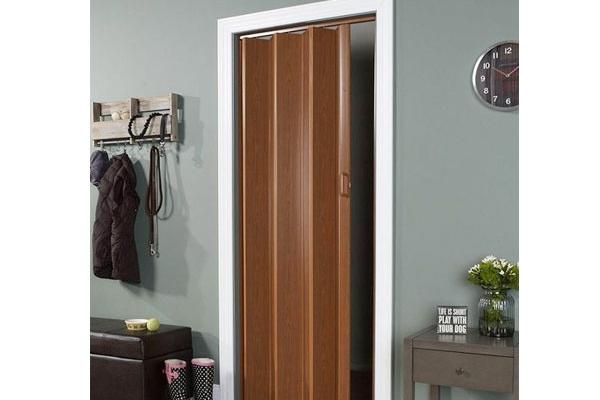 07-pvc-folding-doorD8896488-EE47-1D71-53D1-DA00A1B1C78A.jpg