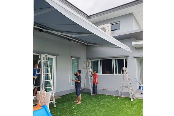 105-retractable-awnings43FB3429-24A5-4CA9-6C45-20322A1CCD08.jpg