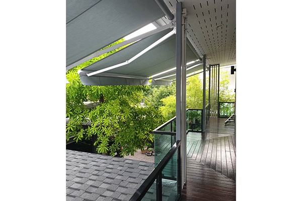 114-retractable-awnings17AFD425-D464-3F38-558D-CB02FA3C656C.jpg