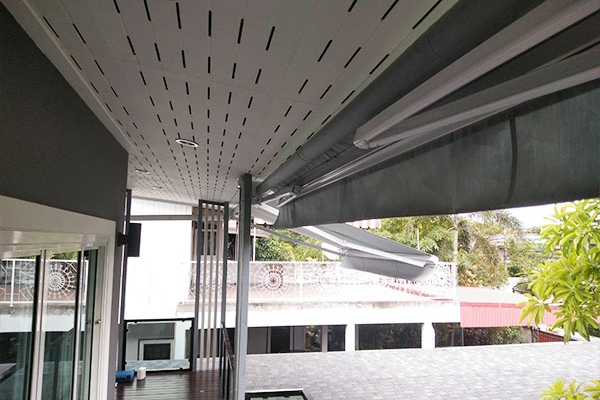 122-retractable-awnings0A9555A9-A43C-0967-3302-363954C14DE2.jpg