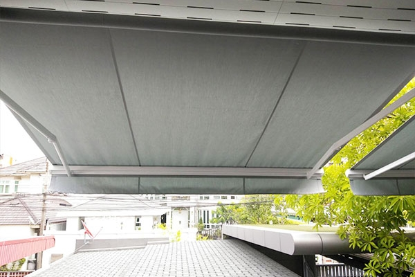 123-retractable-awnings0D719DC8-0164-25F5-7EC6-E3FCBCE9F8F0.jpg