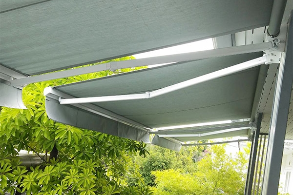 126-retractable-awnings322B0A4F-D130-E7CB-0EC9-82B53D24EE0A.jpg