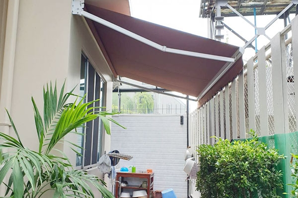 140-retractable-awnings84ACCE4C-D690-6874-699F-4FDAF63A479B.jpg