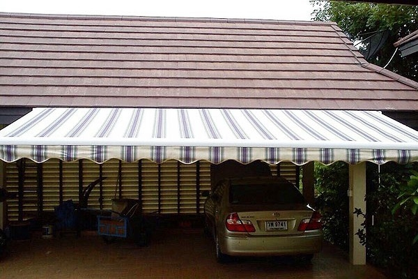 22-retractable-awnings2BD7FE64-FC54-D7A3-9244-3F2D8B5FEF24.jpg
