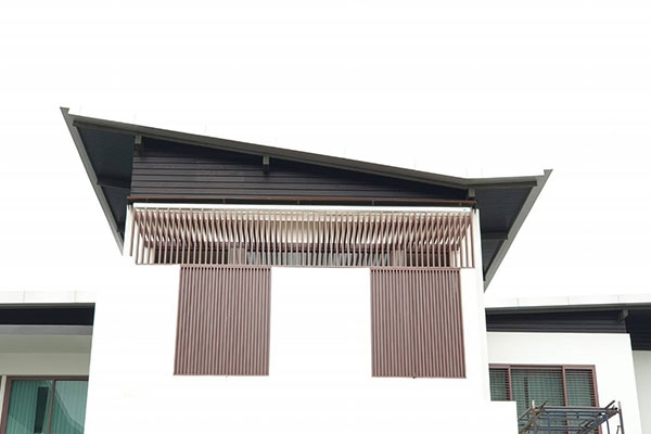 42-retractable-awnings09911224-8483-D273-59DA-2F88B9D3474B.jpg