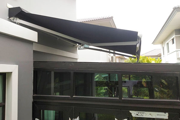 95-retractable-awnings0DC10486-A580-407D-CEDC-6F562F5615DA.jpg