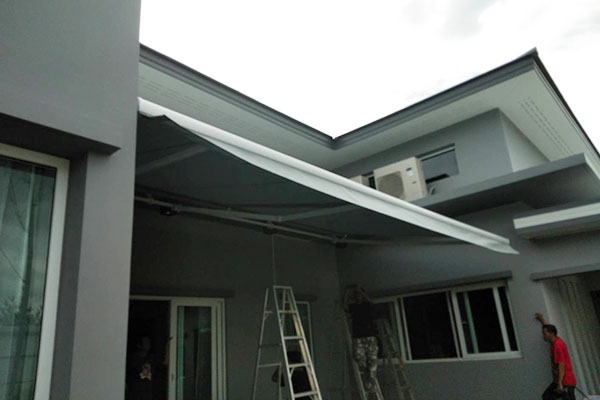 96-retractable-awnings40A89B8E-4182-F44D-C71C-A3A439C12025.jpg