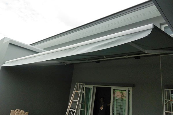 97-retractable-awnings63CB8B95-620B-9616-F380-D49CCE46A9E9.jpg