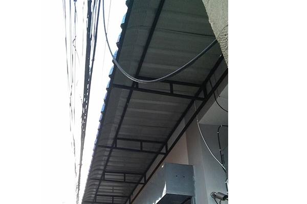 01-metal-sheet-awningD0E52922-F2A4-6BBD-6596-0CCD95373B5D.jpg