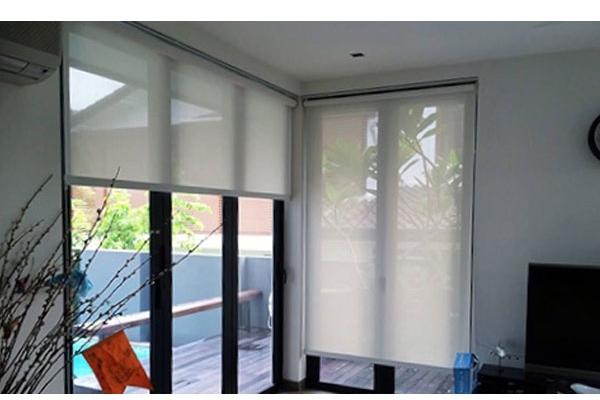 10-roller-blinds-manualA63E87D9-9861-C938-1D87-5BF27357457C.jpg